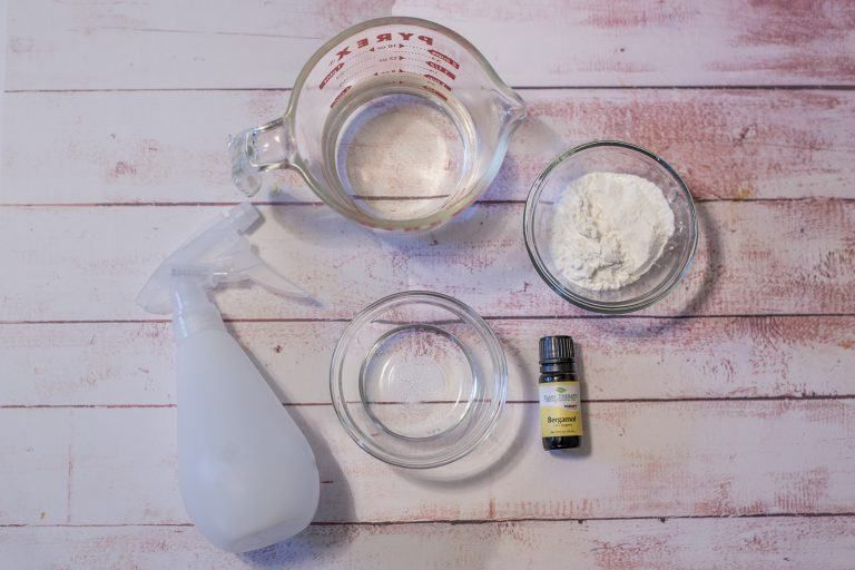 Some recipes to make DIY dry shampoo